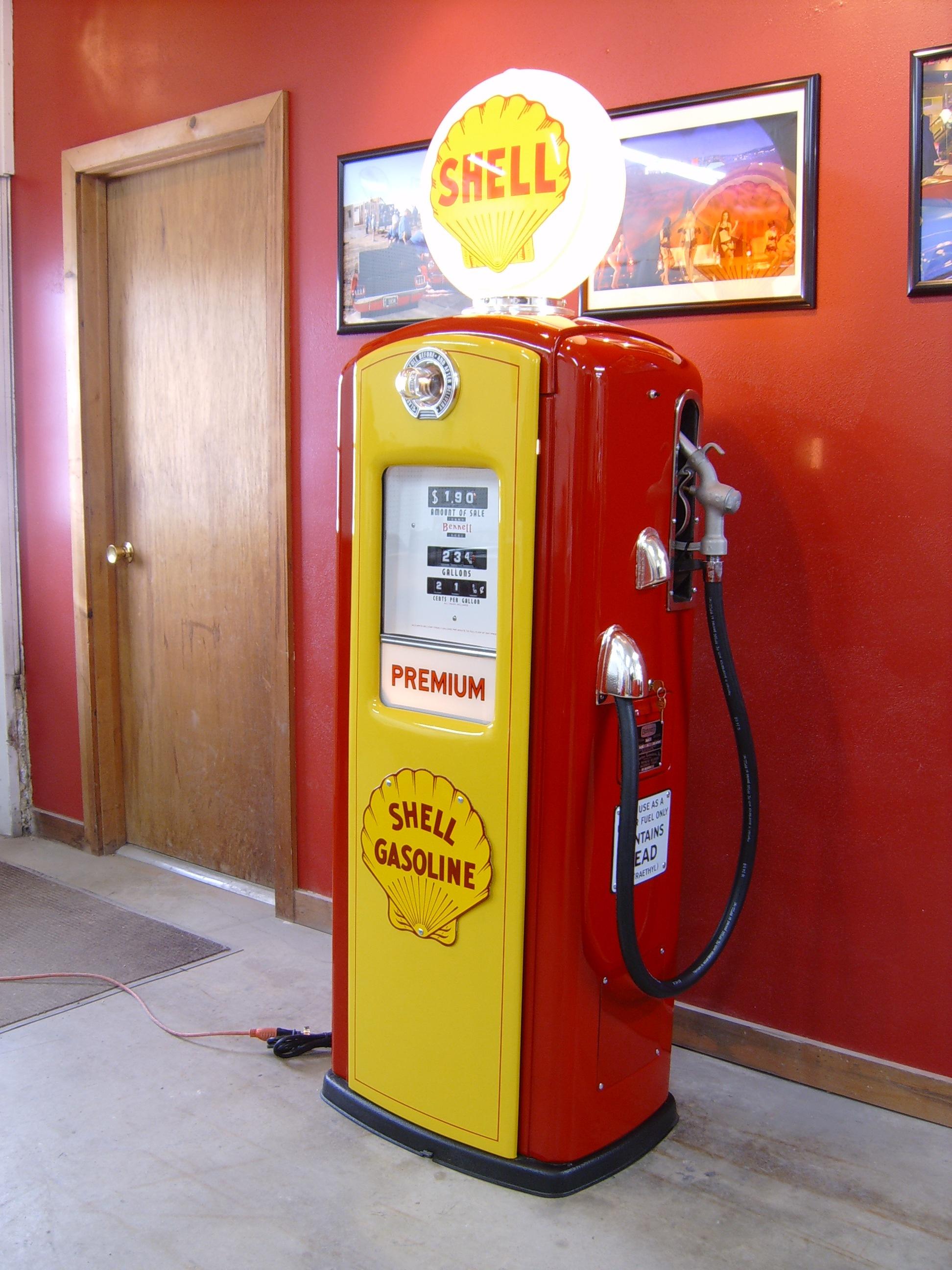 New Retro Cars Recent Memorabilia And Gas Pumps Project